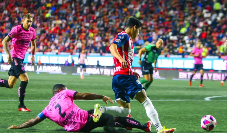 En partido sin anotaciones, Xolos y Chivas cierran la J14 del Apertura 2021